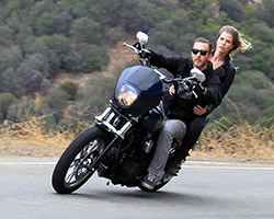 Lance Coury comenzó Thrashin Supply una marca partes de Harley-Davidson